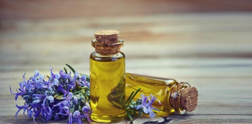 essential oils in aerial yoga
