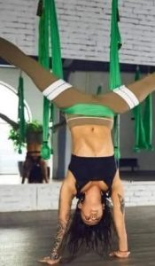 best-yoga-swing-poses-inverted-star-pose