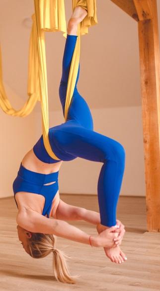 Improve Balance and Flexibility - Dancer Pose Aerial